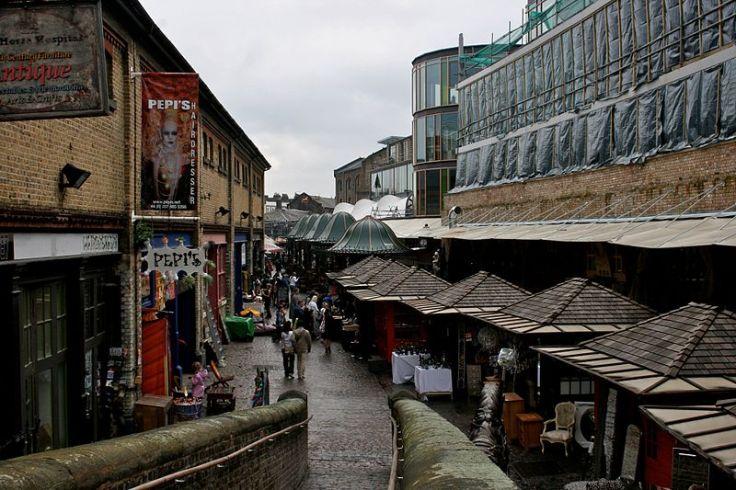 800px-Camden_Market,_London_2